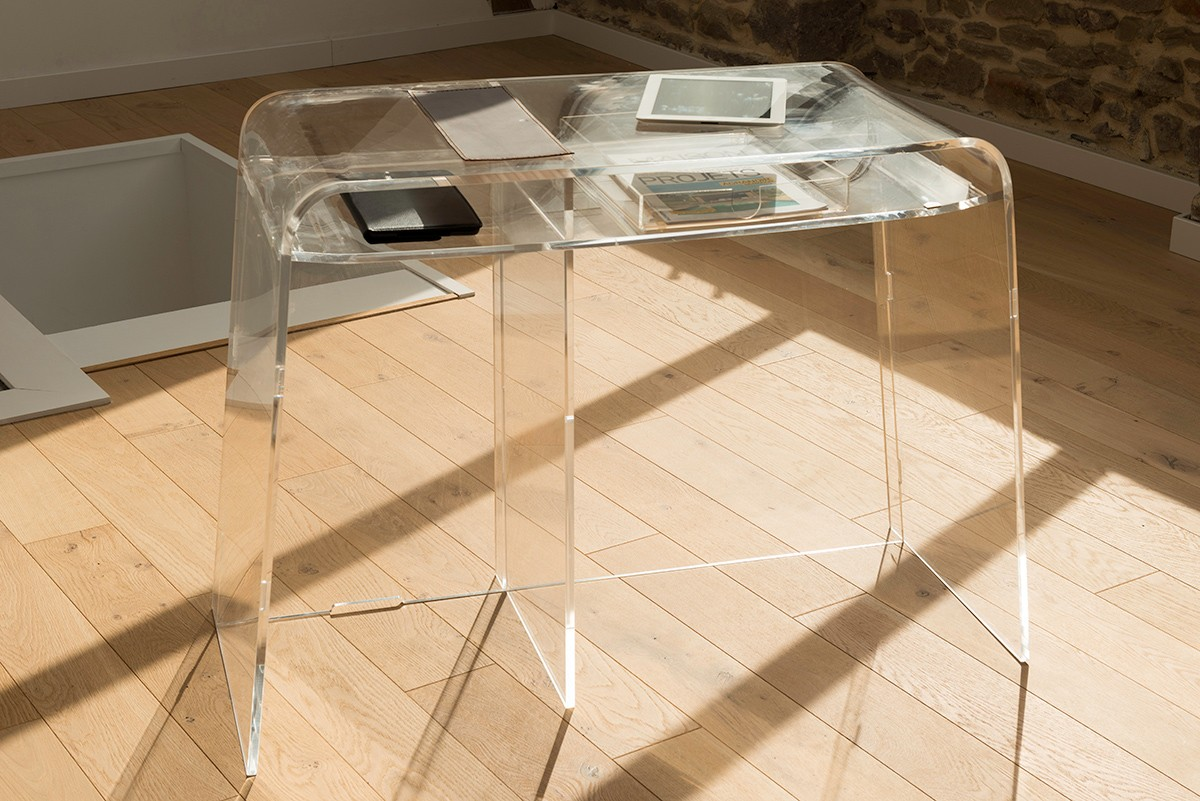mobilier plexiglas transparent finest pupitre de confrence en plexiglas transparent et bois. Black Bedroom Furniture Sets. Home Design Ideas