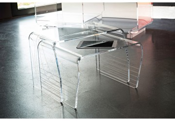 tables basses transparentes en plexiglas david lange. Black Bedroom Furniture Sets. Home Design Ideas