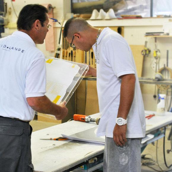 Regards croisés de deux artisans opérateurs de la manufacture.