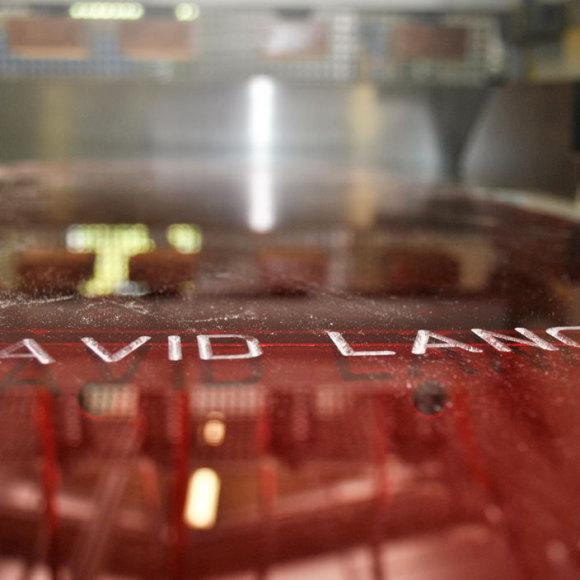 La rénovation des meubles en PMMA David Lange