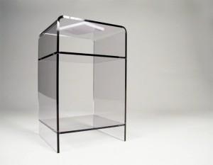 meuble d'appoint transparent