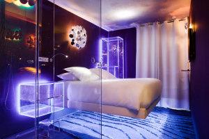 Hotel_Seven_Paris_meubles_transparents