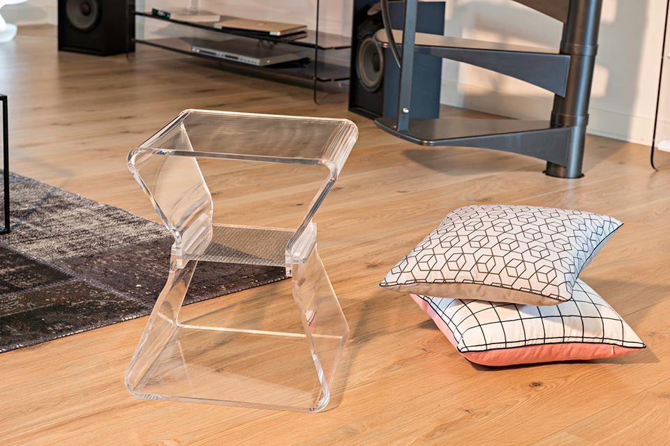 meubles transparents - table de chevet